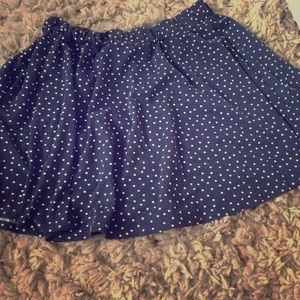 Dresses & Skirts - Cute polka dot skirt💙
